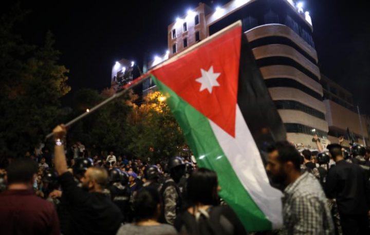 Arab Reform Initiative - الأردن: أسبوع من الاحتجاجات يكشف تحولاً بنيوياً في معادلة السلطة