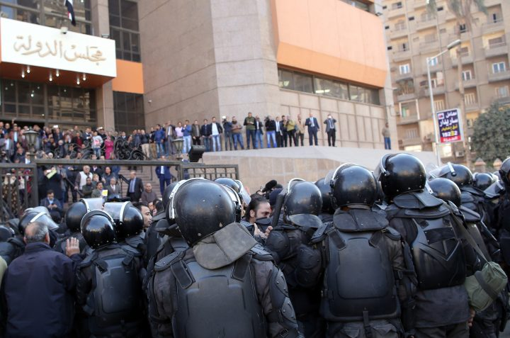 تحدّي الإيديولوجية القانونيّة للدولة: محامو الشأن العام والحركات الاجتماعيّة في مصر